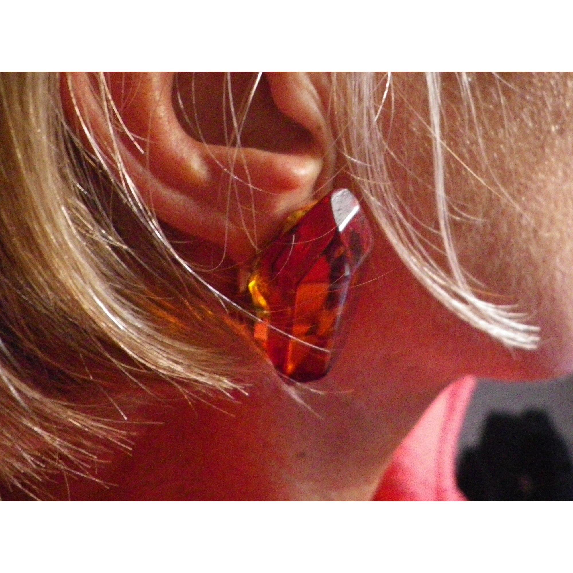Boucles d'oreille DOMINIQUE DENAIVE résine orange