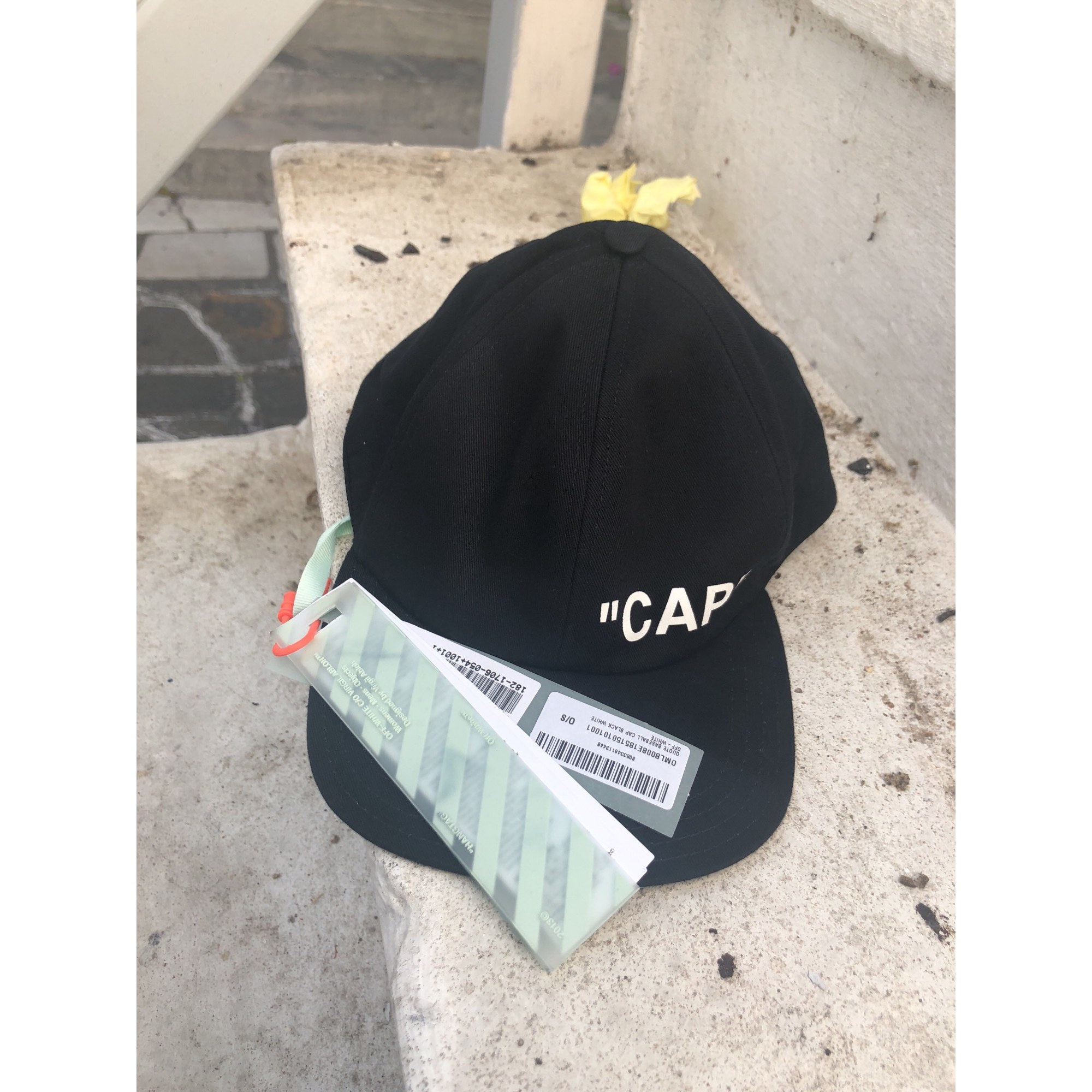 casquette homme off white