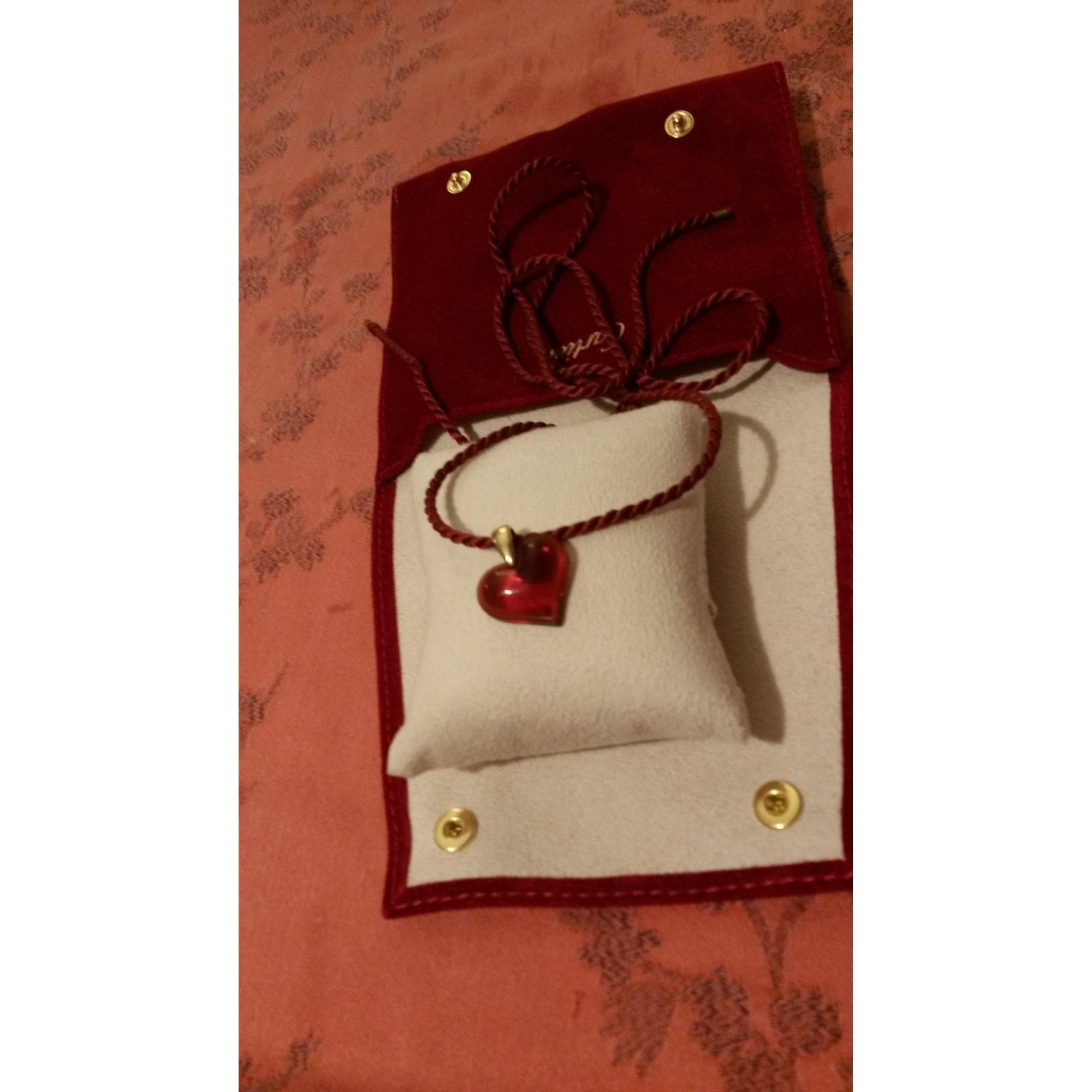 Pendentif, collier pendentif LALIQUE Rouge, bordeaux