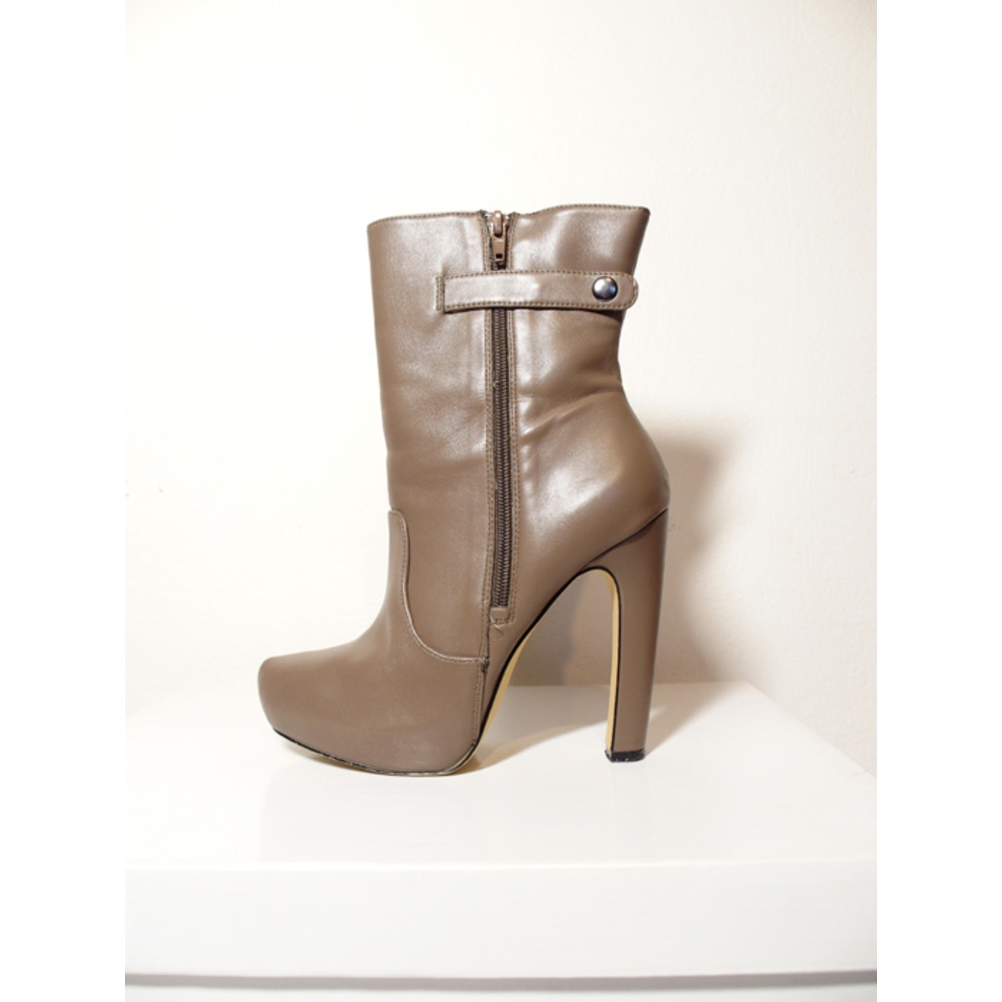 Bottines & low boots à talons JUSTFAB Beige, camel