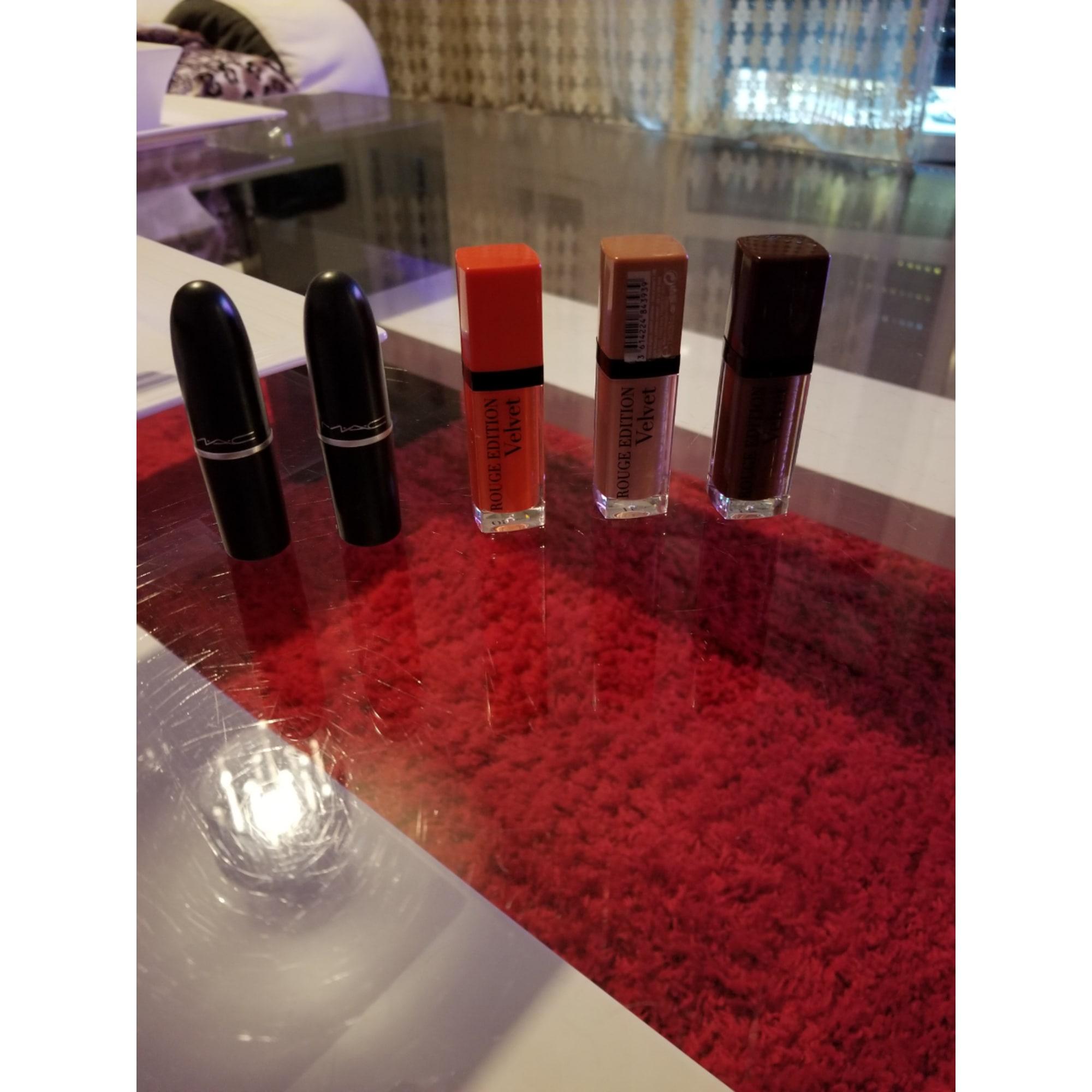 Rouge à lèvres MAC COSMETICS plusieurs couleurs
