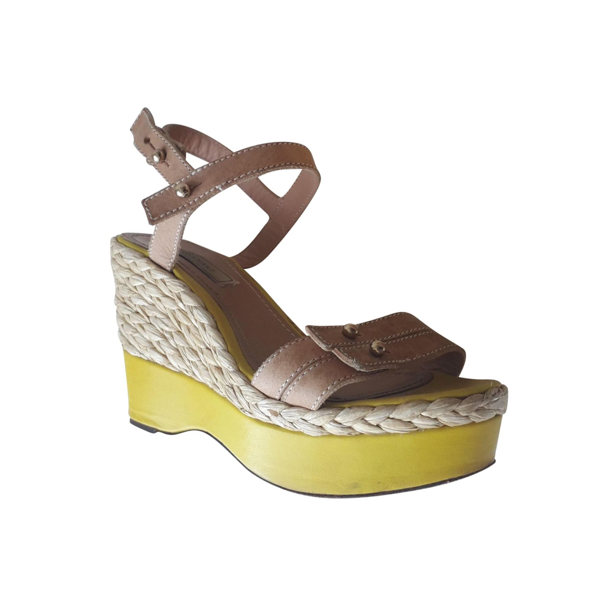 Sandales compensées NINA RICCI Jaune