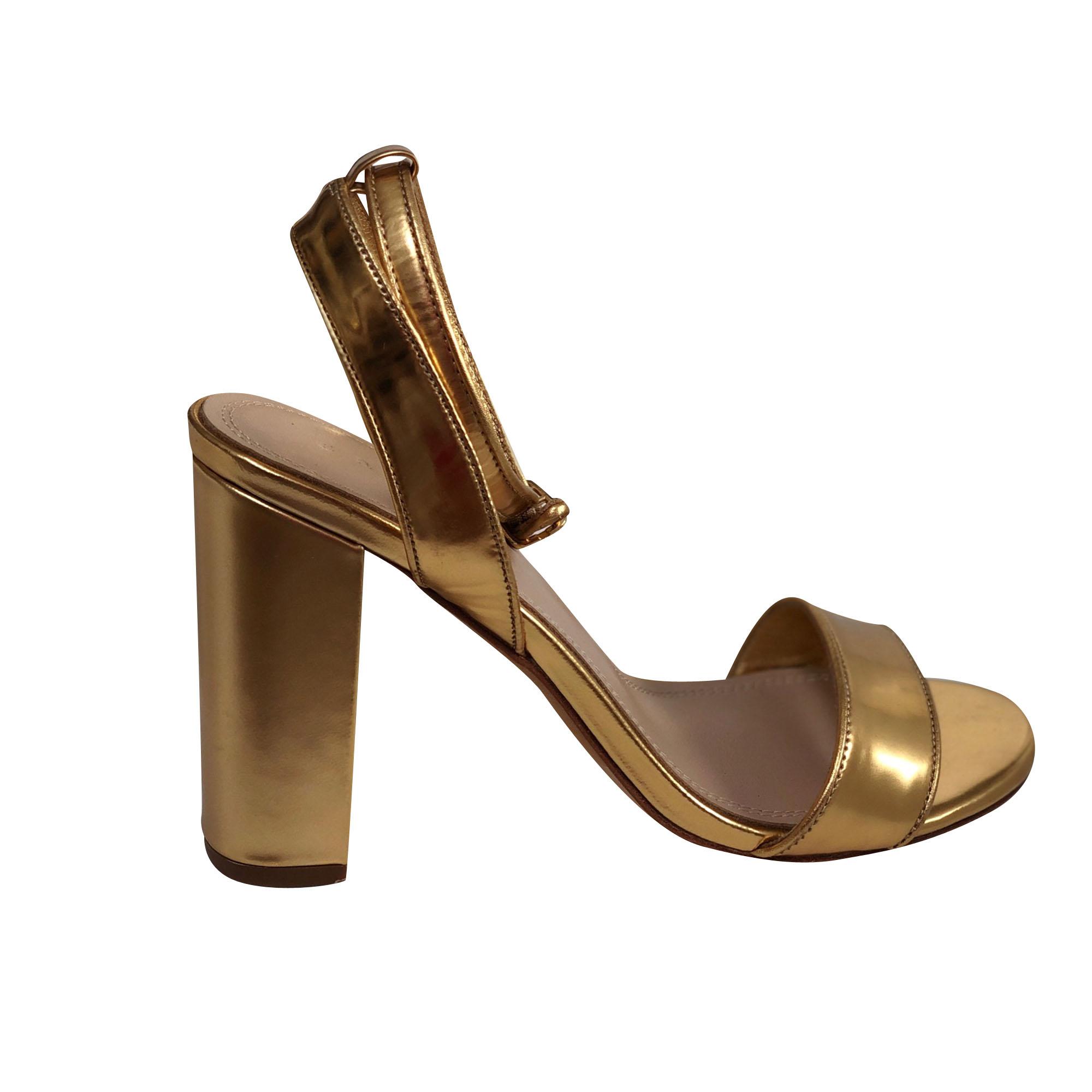 Sandales à talons SANDRO Doré, bronze, cuivre