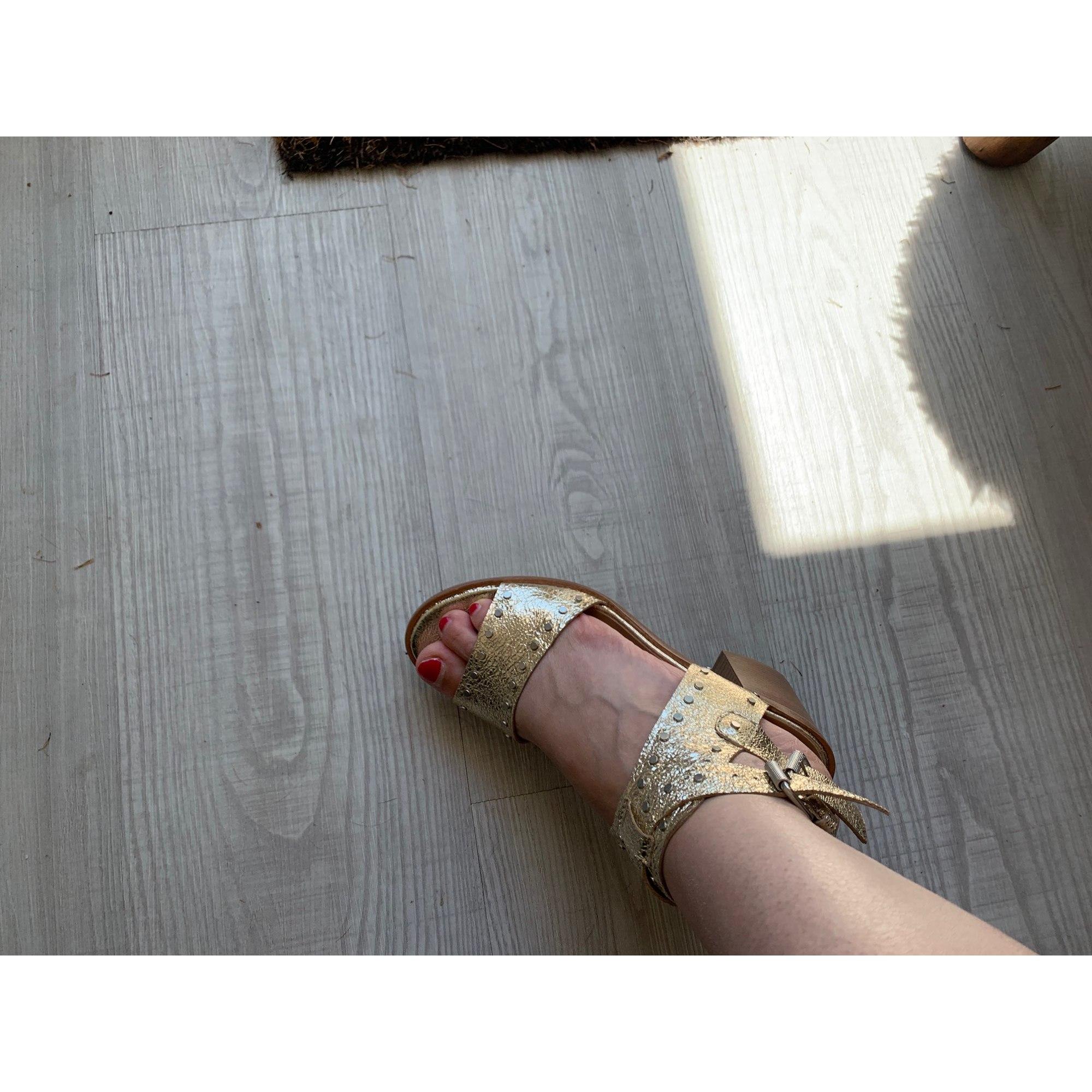 Sandales à talons JANET & JANET Doré, bronze, cuivre