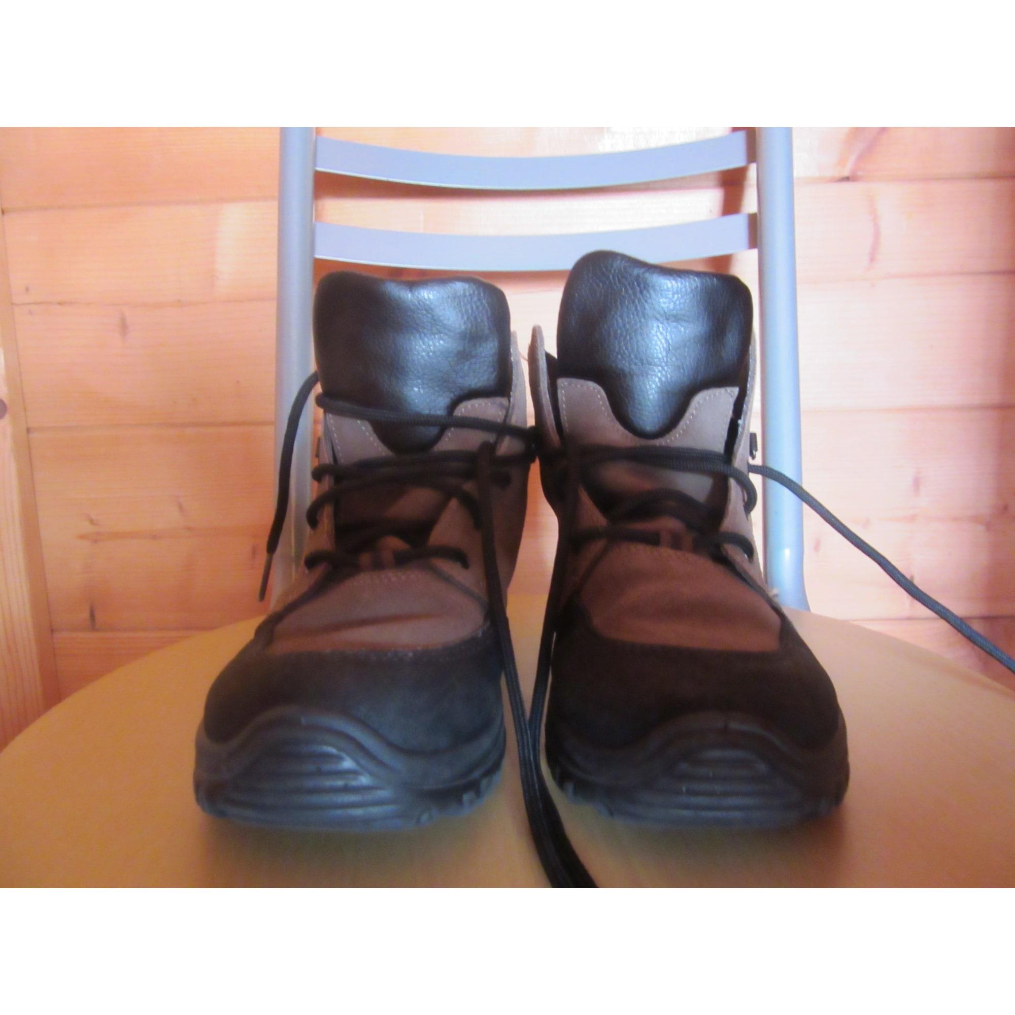 Chaussures à lacets QUECHUA Kaki