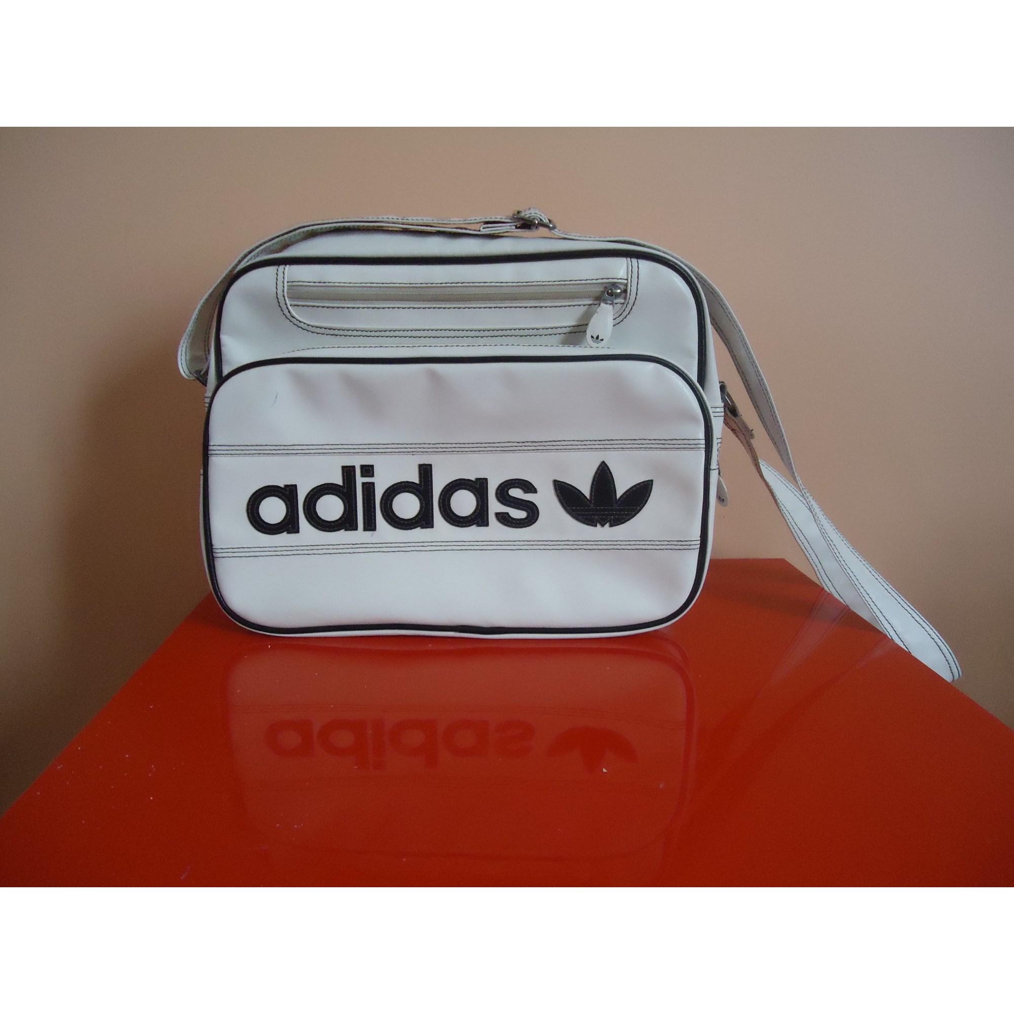 sac adidas blanc et noir