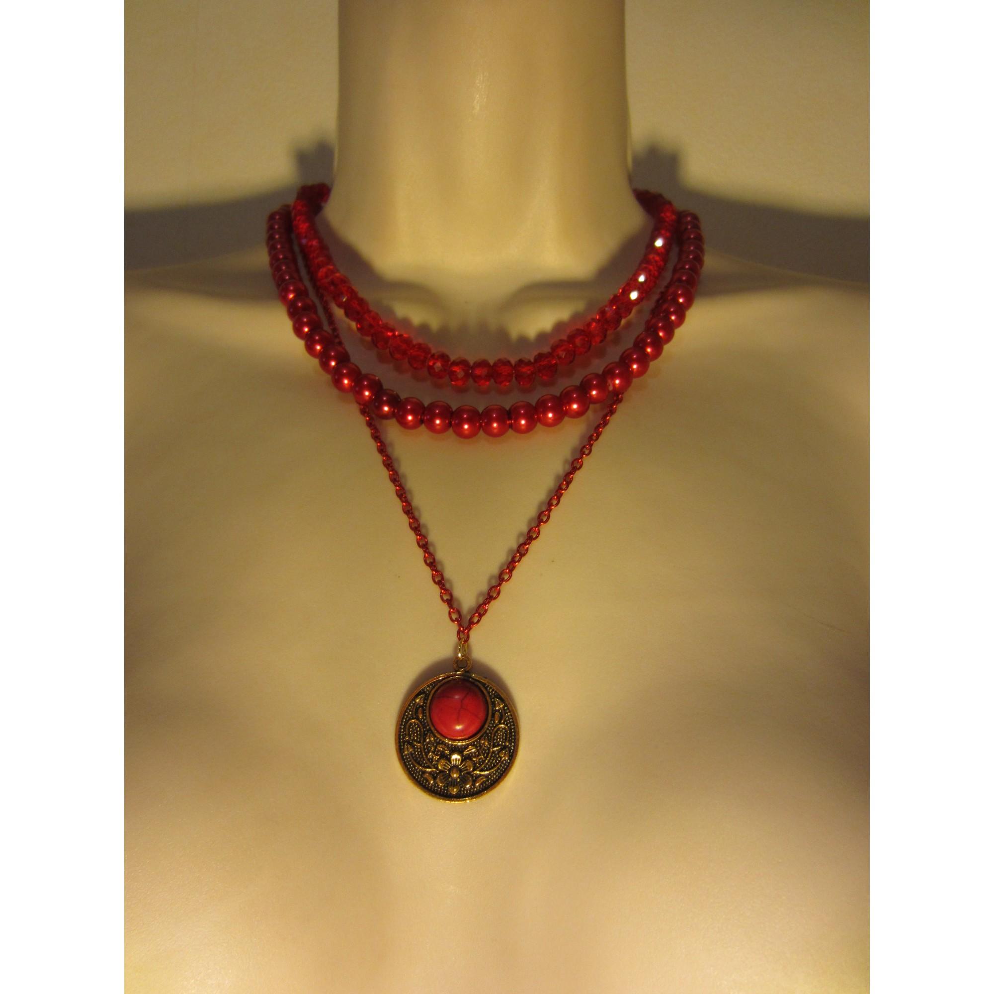 Pendentif, collier pendentif LE SERPENT ROUGE verre rouge