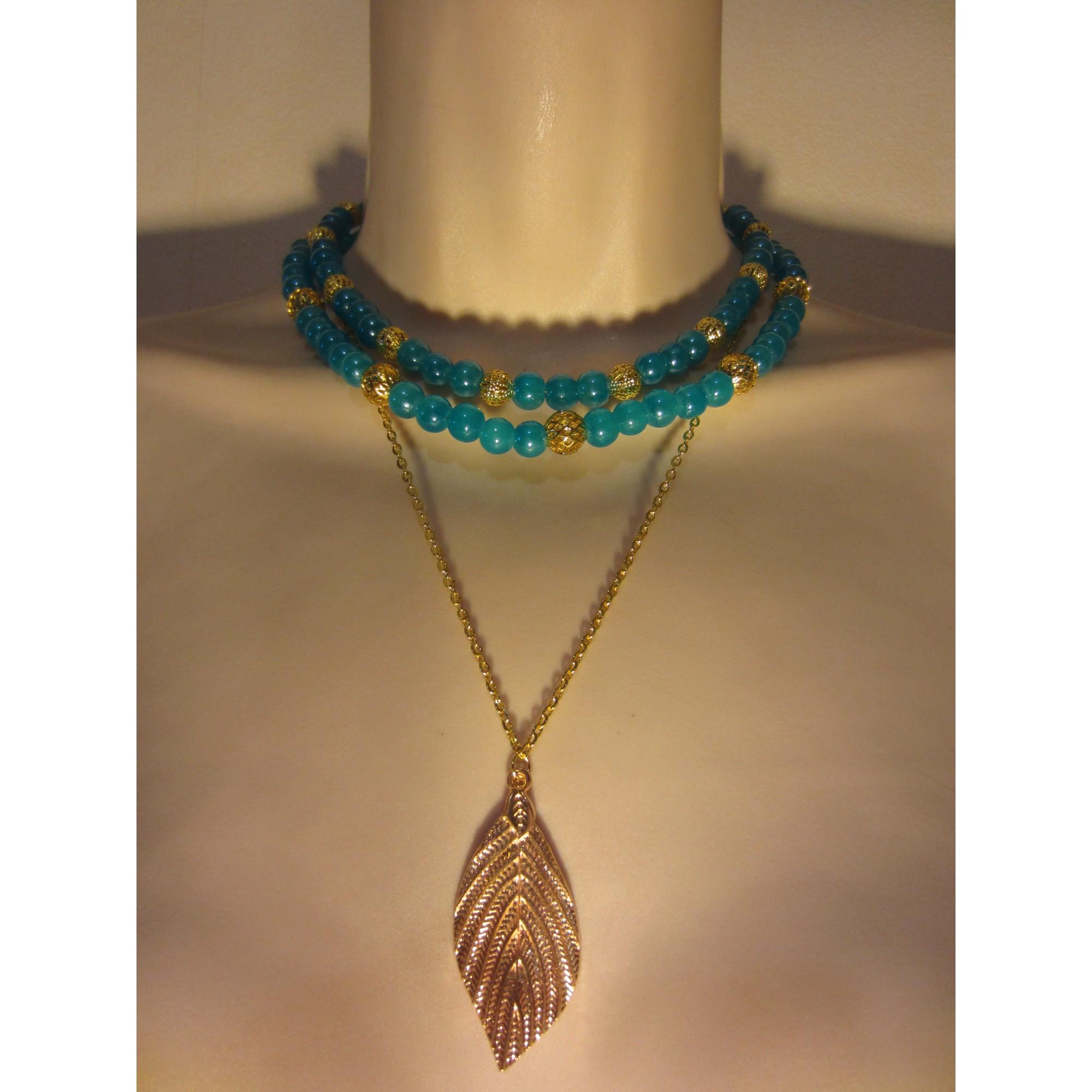 Pendentif, collier pendentif LE SERPENT ROUGE verre bleu
