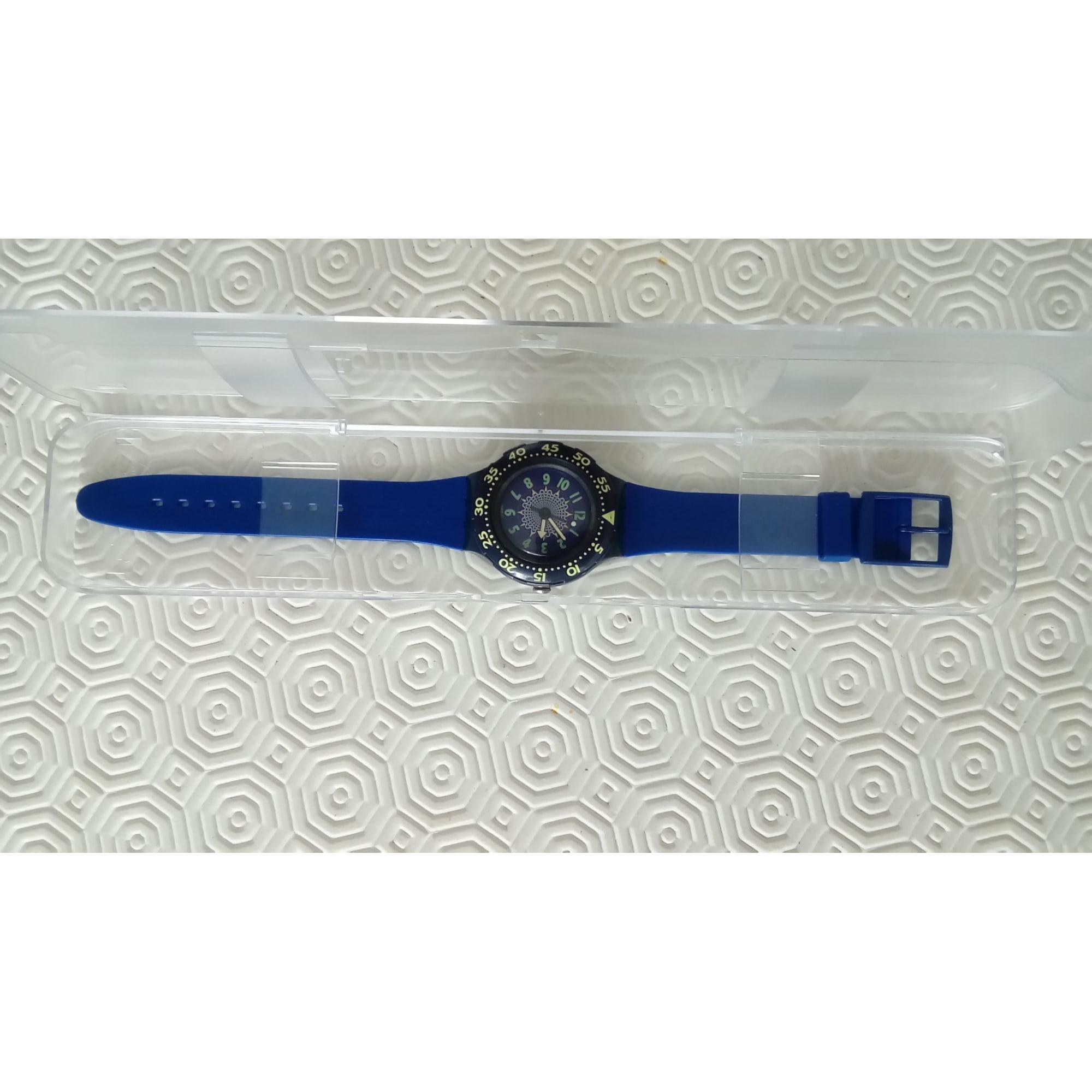 Montre au poignet SWATCH Bleu, bleu marine, bleu turquoise