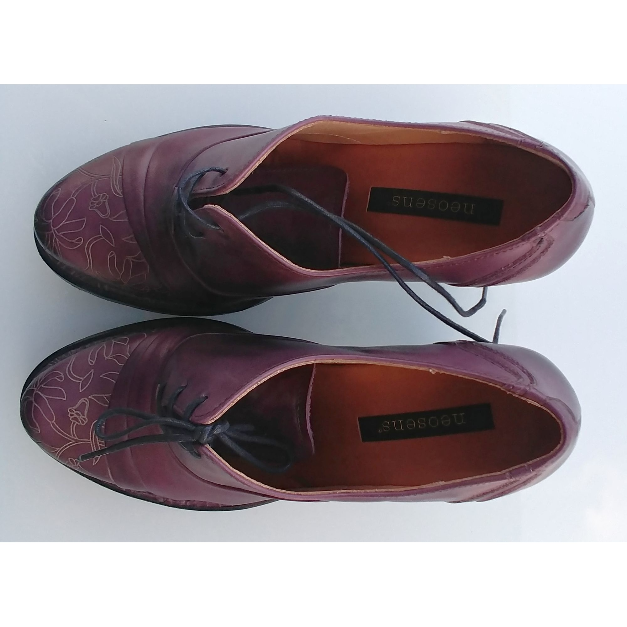 Chaussures à lacets  NEOSENS Rouge, bordeaux