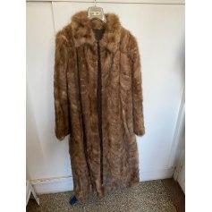 Manteau en fourrure Sans marque  pas cher