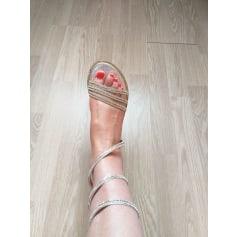 Sandales plates  Omoda  pas cher