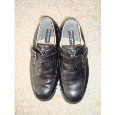 Chaussures à boucles Pierre Cardin  pas cher