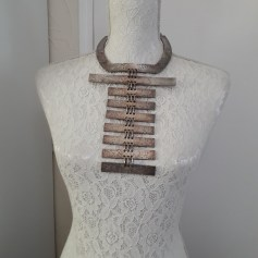 Pendant, Pendant Necklace Biche de Bère