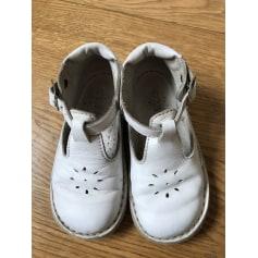 Chaussures à boucle GBB  pas cher