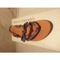 Sandales plates  Gerard Darel  pas cher