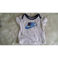 Top, tee shirt Nike  pas cher
