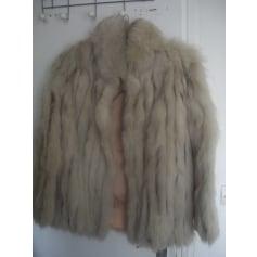 Blouson, veste en fourrure Saga Furs  pas cher