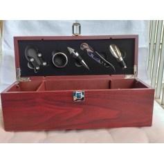 Chapeau Chapeau coffret de luxe et élégant en bois coloris bordeaux accessoires à vin 5 pièces, neuf.  pas cher