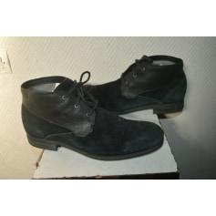 Chaussures à lacets UGG  pas cher