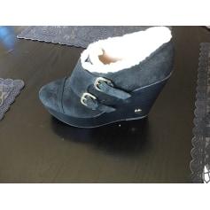 Bottines & low boots à compensés Love Moschino  pas cher