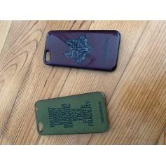 Etui iPhone Zadig & Voltaire  pas cher