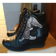 Bottines & low boots à compensés Pataugas  pas cher