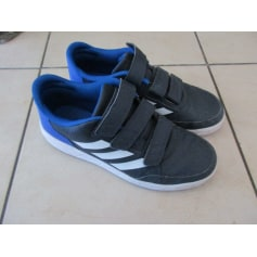 Chaussures à scratch Adidas  pas cher