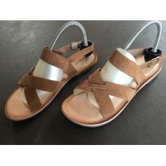 Sandales plates  Kickers  pas cher