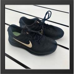 Chaussures de sport Nike  pas cher