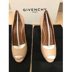 Escarpins à bouts ouverts Givenchy  pas cher
