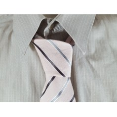 Tie Devred