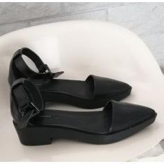 Sandales plates  Forever 21  pas cher