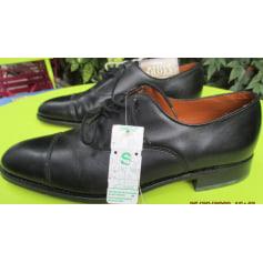 Chaussures à lacets Saint Michael ( Marks et Spencer )U K  pas cher