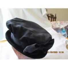 Chapeau Model ( Prague )  pas cher