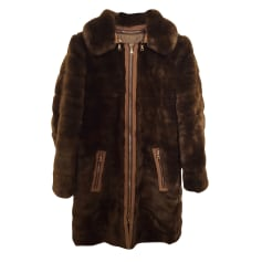 Manteau en fourrure Moschino  pas cher