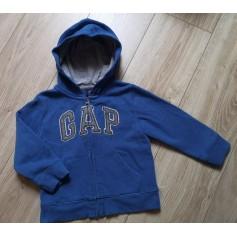 Jacket Gap