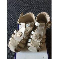 Chaussures à boucle André  pas cher
