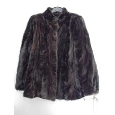 Blouson, veste en fourrure Yves Saint Laurent  pas cher