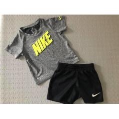 Ensemble & Combinaison short Nike  pas cher
