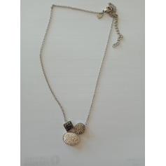 Pendentif, collier pendentif Victoria  pas cher