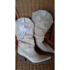 Santiags, bottines, low boots cowboy Mustang  pas cher