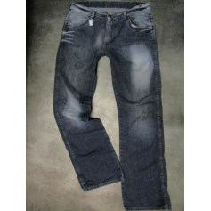 Boot-Cut Jeans Wrangler