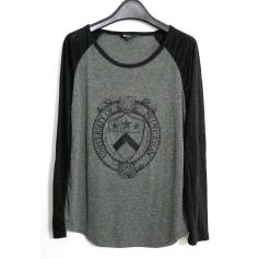 Top, tee-shirt MKT  pas cher