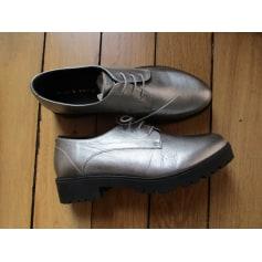 Chaussures à lacets  Mint & Berry  pas cher