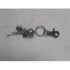 Porte-clés Moa  pas cher