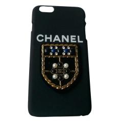 Etui iPhone  Chanel  pas cher