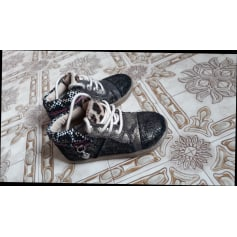 Lace Up Shoes Wipop