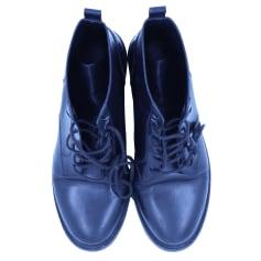 Flache Stiefel Yves Saint Laurent