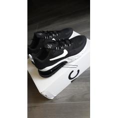 Baskets Nike  pas cher